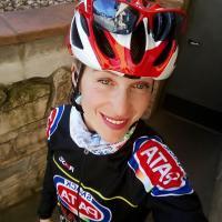 Monica Masini: «La bicicletta è la mia fonte di vita» La sorella del campione paralimpico di ciclismo Giancarlo al via della prossima Granfondo del Tanagro